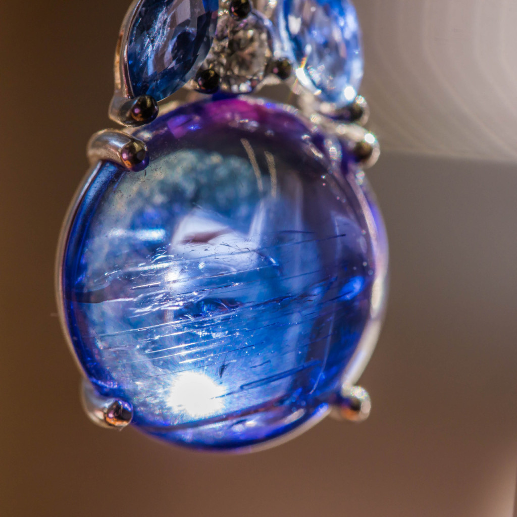 artistic jewelry photography